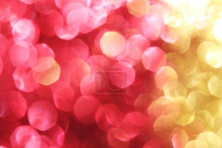 Foto de Rojo y oro brillan de fondo - fondo de suaves luces de Navidad - Imagen libre de derechos