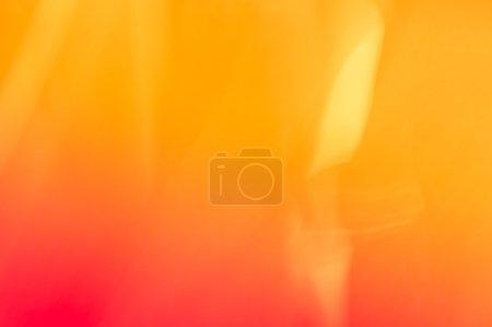 Photo pour Fond dégradé orange déconcentré - Papier peint texturé à la flamme - Fond d'écran naturel vif pour la composition de la peinture - image libre de droit