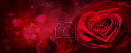 Photo pour Invitation Saint-Valentin avec coeurs et roses rouges - image libre de droit