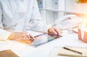 Doktor s tabletem