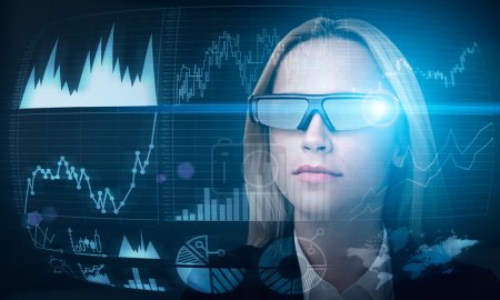 Fund manager in smart glasses