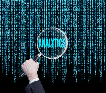 Photo pour Part recherche analytique texte en code binaire - image libre de droit