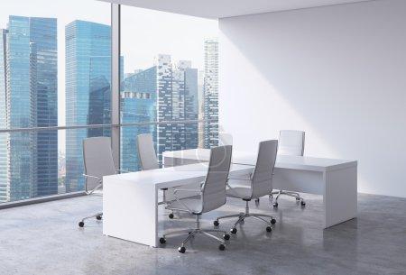 Photo pour Intérieur de bureau moderne avec d'immenses fenêtres et vue panoramique de Singapour. Cuir blanc sur les chaises et une table blanche. Un concept de chef de la direction du milieu de travail. rendu 3D. - image libre de droit