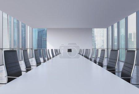 Photo pour Salle de conférence panoramique dans un bureau moderne, vue sur Singapour. Chaises en cuir noir et une table blanche. rendu 3D . - image libre de droit