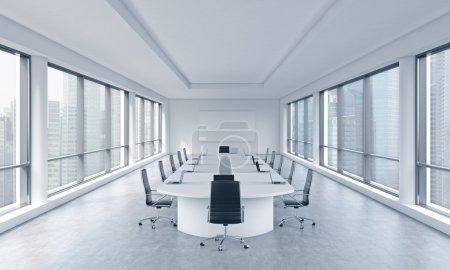 Photo pour Une chambre moderne et lumineuse panoramique de réunion dans un bureau moderne avec vue sur Singapour. Le concept de la réunion du conseil d'administration de l'immense société transnationale. rendu 3d. - image libre de droit