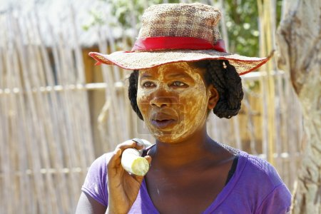 Portrait of malagasy woman with