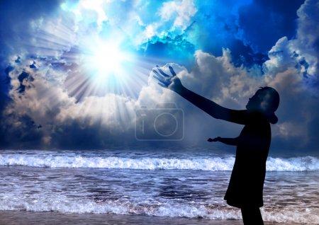 Photo pour Adoration de la femme et louange au Seigneur - image libre de droit