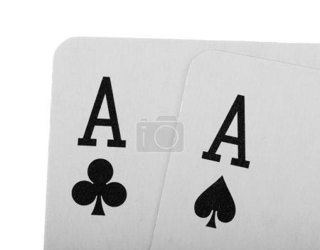 Photo pour Cartes à jouer poker closeup isolé sur fond blanc. - image libre de droit