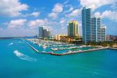 Letecký pohled na South Miami Beach a skycrappers