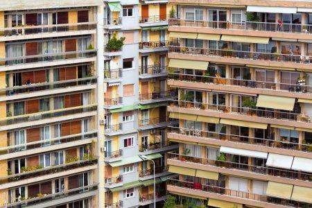 Photo pour Immeubles modernes en Grèce. Immeuble Appartements - image libre de droit