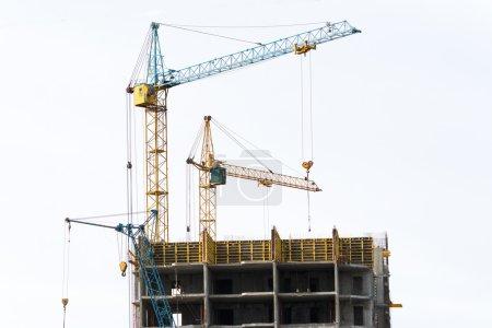 Photo pour Construction de maisons monolithiques multi-étages et multi-familiales - image libre de droit