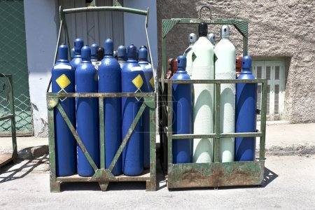 High pressure oxygen storage tanks