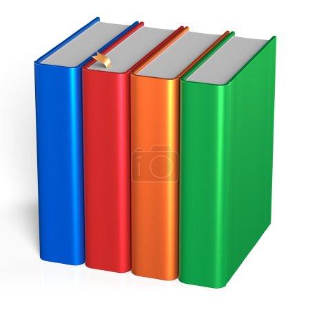 Photo pour Quatre livres éducatifs étudiant livres bibliothèque bibliothèque rangée debout 4 blanc vert orange rouge bleu gabarit. École étudiant la connaissance concept icône de contenu. 3d rendu isolé sur fond blanc - image libre de droit