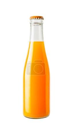 Photo pour Le jus d'orange dans une bouteille en verre isolé sur fond blanc - image libre de droit