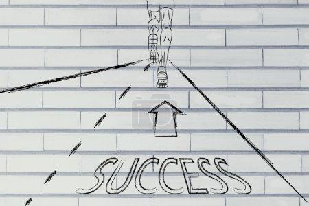 Photo pour Homme courant sur une route avec des directions vers le succès, concept d'atteindre vos objectifs - image libre de droit