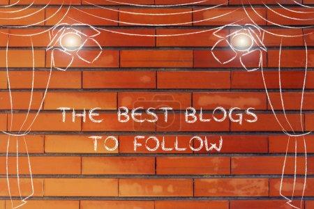 Photo pour Les meilleurs blogs à suivre: illustration avec scène de théâtre et projecteur mettant l'accent sur les concepts de marketing numérique - image libre de droit