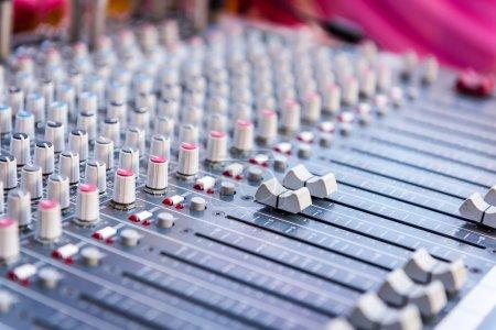 Control audio panel....