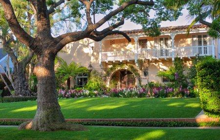 Photo pour Un coup de jolie maison de beverly hills - image libre de droit