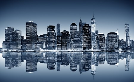 Photo pour Panoramic night view of Manhattan. New York city. - image libre de droit