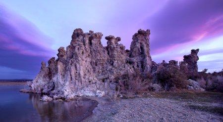 Photo pour Magic sunset at Mono Lake, California - image libre de droit