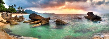 Photo pour Panorama of sunrise on Lamai beach, Samui - image libre de droit