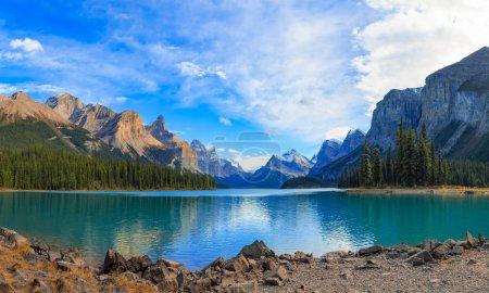 Photo pour Lac Maligne Jasper national park, Alberta, Canada - image libre de droit