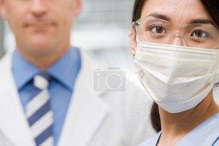 Photo pour Dentistes dans leur chirurgie - image libre de droit