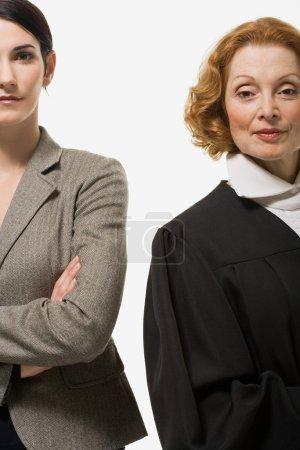 Photo pour Portrait d'une femme d'affaires et d'un juge - image libre de droit