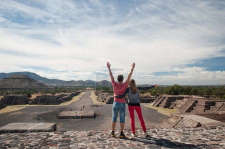 Couple   in Teotihuacan, Mexico