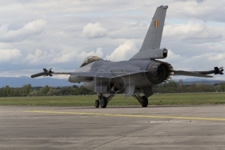 Landing F-16 Fighting Falcon with Belgian flag on the CIAF