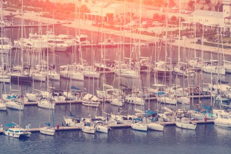 Accumulation of yachts on the water