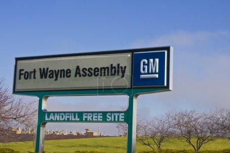 Photo pour Ft. Wayne - environ décembre 2015: Gm Fort Wayne Assembly Plant. GM Fort Wayne produit des camionnettes pleine grands. - image libre de droit