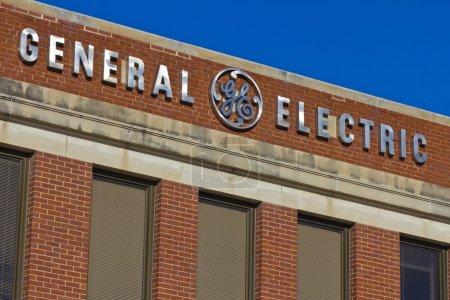 Photo pour Ft. Wayne, IN - Vers décembre 2015 : General Electric Factory. GE est le monde Digital Industrial Company II - image libre de droit