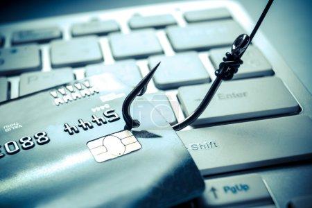 Photo pour Attaque de phishing de carte de crédit se bouchent - image libre de droit