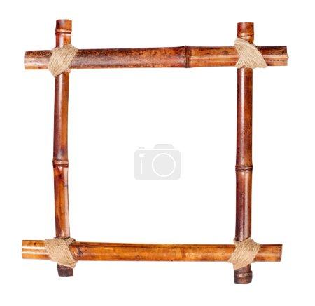 Photo pour Cadre en bambou composé de tiges avec espace de copie - image libre de droit