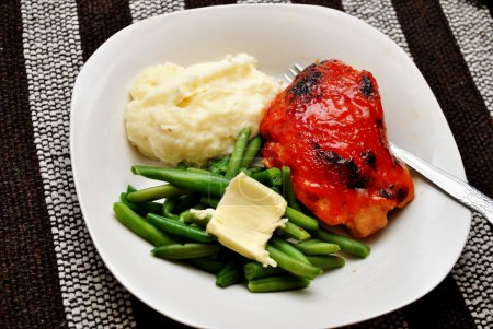 Healthy Chicken Dinner with Fresh Side Dishes