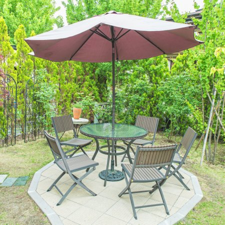 Black chair and table in the garden for relax