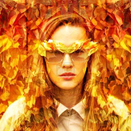 Photo pour Femme de mode d'automne. Tomber. Art de mode - image libre de droit