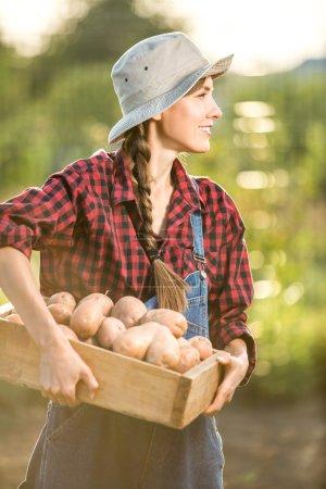Jardinier avec une culture