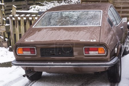 Old Audi 100 Coupe S