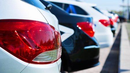 Photo pour Feu arrière rouge de l'automobile. Dof peu profond - image libre de droit