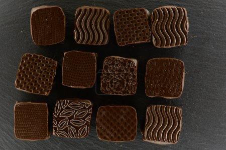 Photo pour Chocolat artisanal, bio et bio. Vue du dessus - image libre de droit