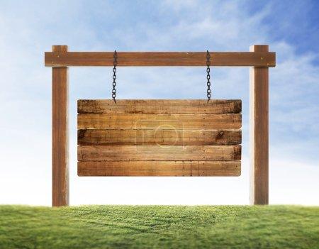 Photo pour Gros plan d'un panneau en bois vide suspendu - image libre de droit