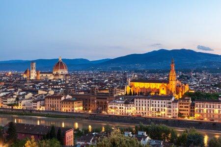 Photo pour Skyline de Florence la capitale de la Toscane, Italie du Nord. Incroyable centre-ville d'art et d'architecture Renaissance . - image libre de droit