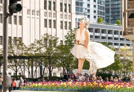 Навсегда Мэрилин Монро скульптуры вместе