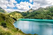 Jezero Ritom na švýcarské Alpy