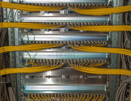 Redundancy LAN cable connections  in a Datacenter ...