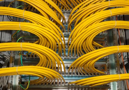 Great network distributor in a outsourcing data center