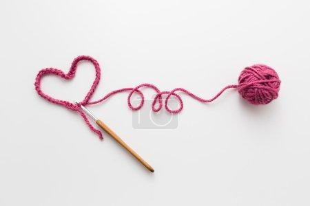 L'amour de Crochet sur blanc