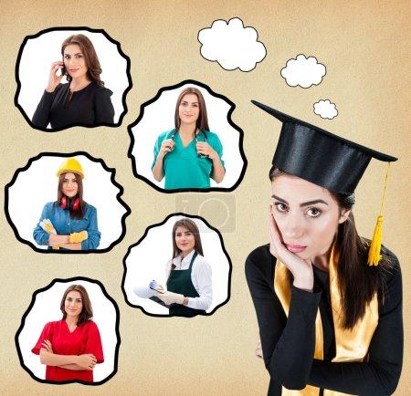 Photo pour Étudiant diplômé en uniforme penser aux options de carrière futures. Femme regardant inquiet contemplant les bulles de pensée sur fond isolé avec des images de différentes professions - image libre de droit